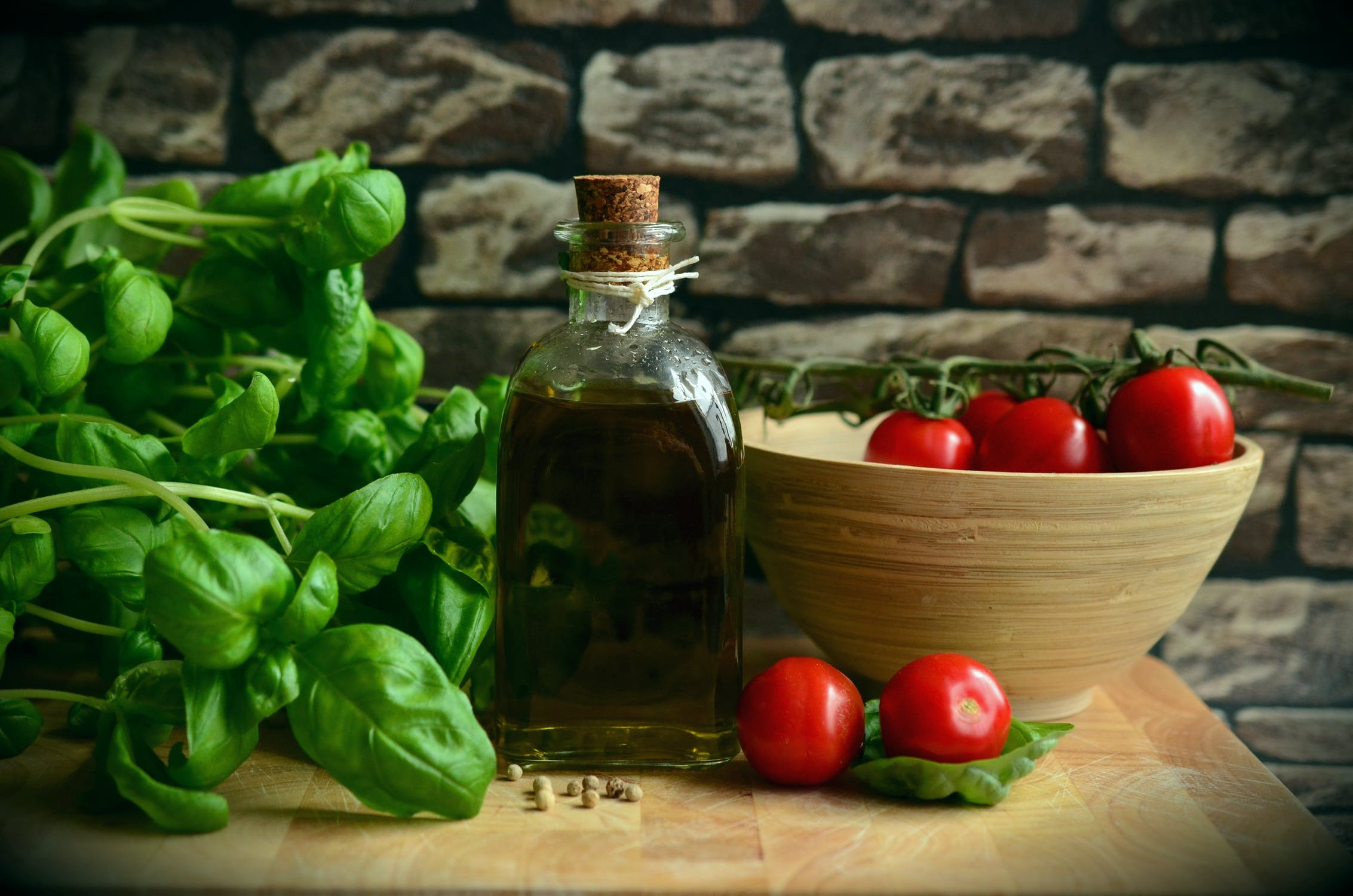 olive-oil-tomatoes-basil