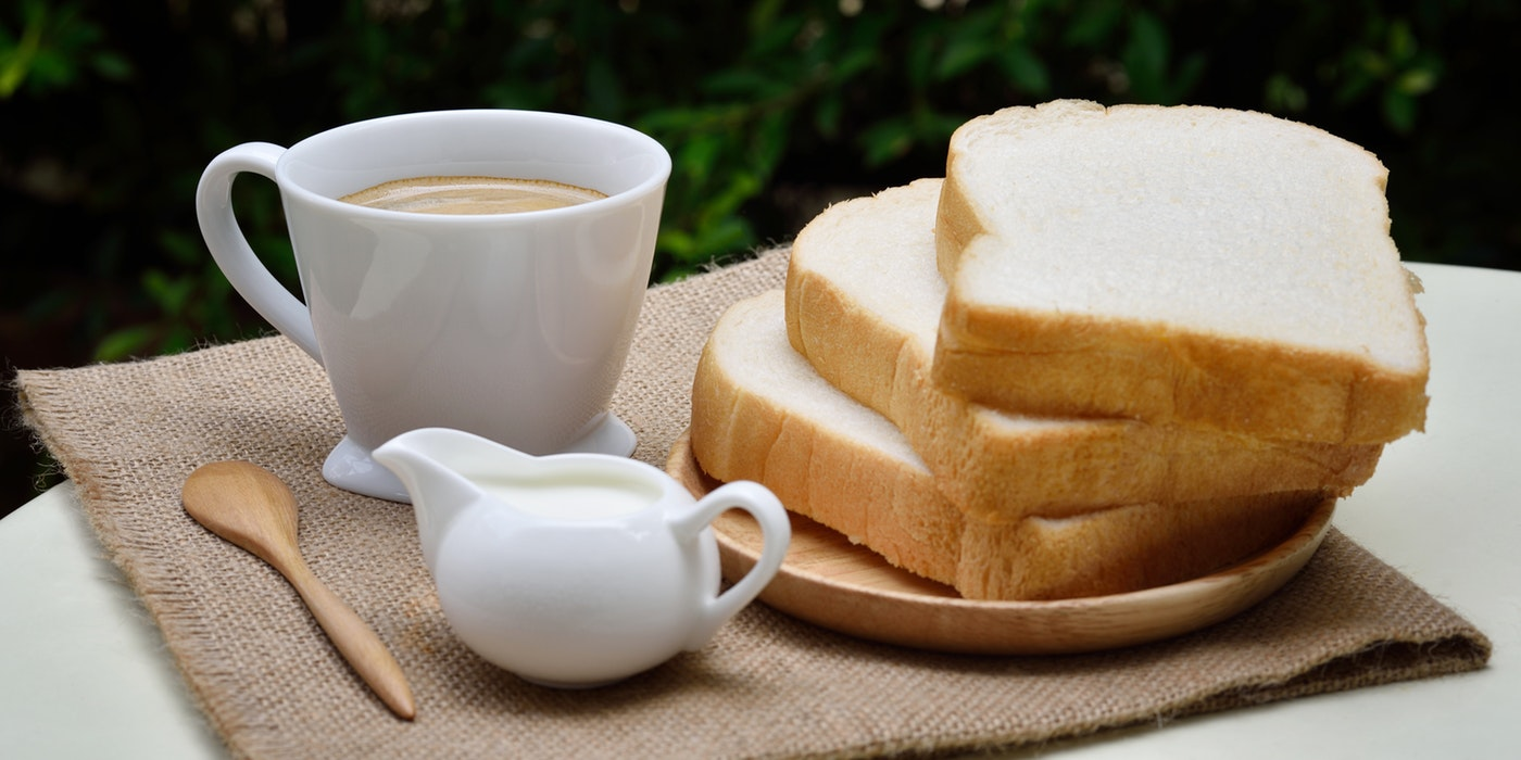 some bread with tea